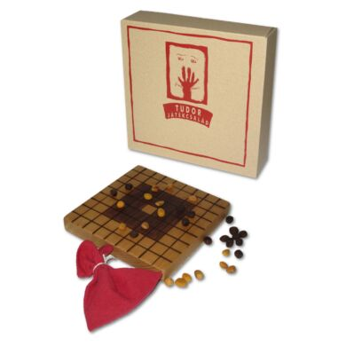 Fa táblás logikai játék - Tudor II.